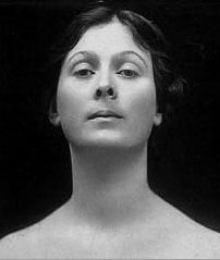 isadora duncan essay Karel reisz' biographical portrait of isadora duncan stars vanessa redgrave as the famed modern dancer, who gained notoriety for her revolutionary performances and public romantic life.