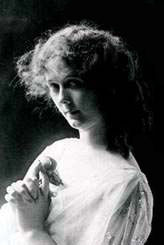 Black and white photo of Isadora Duncan by Jacob Schloss